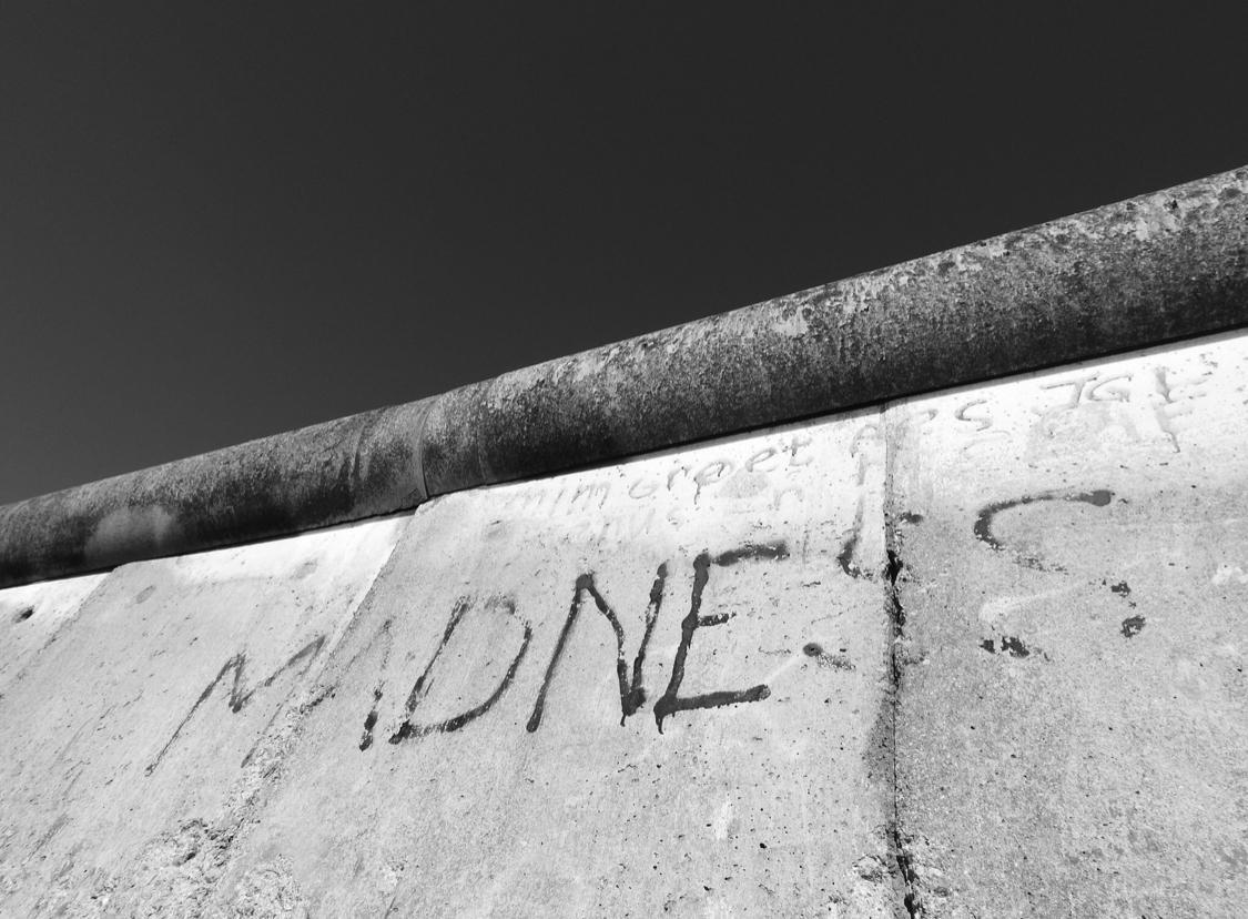 Berlin Wall –MADNESS